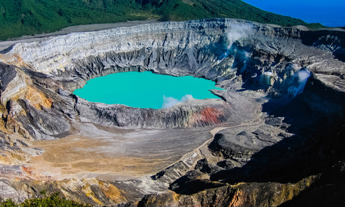 Poas crater tours in Costa Rica
