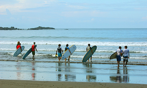 Surfing lessons in Jaco